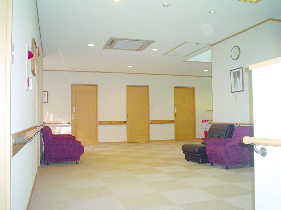画像:仁の郷二階多目的ホール兼居間