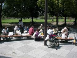 鶴見緑地で記念撮影